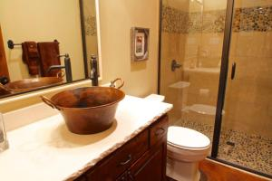 Rockwall Guest Bath